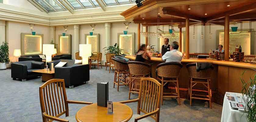 Hotel Metropole, Interlaken, Bernese Oberland, Switzerland - metro bar.jpg